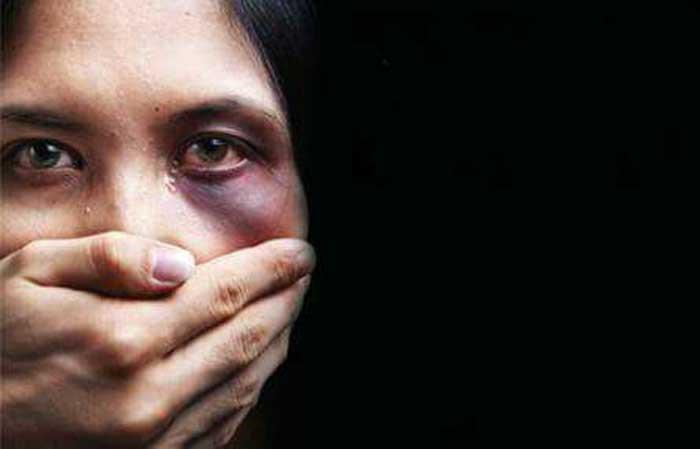 Violences sur les femmes : plus de 2700 cas recensés en 15 mois, dans six régions