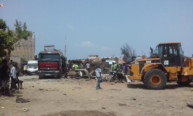 Dalifort : Les bulldozers de Abdou Karim Fofana rasent les ateliers de mécaniciens