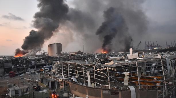 Deux fortes explosions font de nombreux morts et des blessés...à Beyrouth