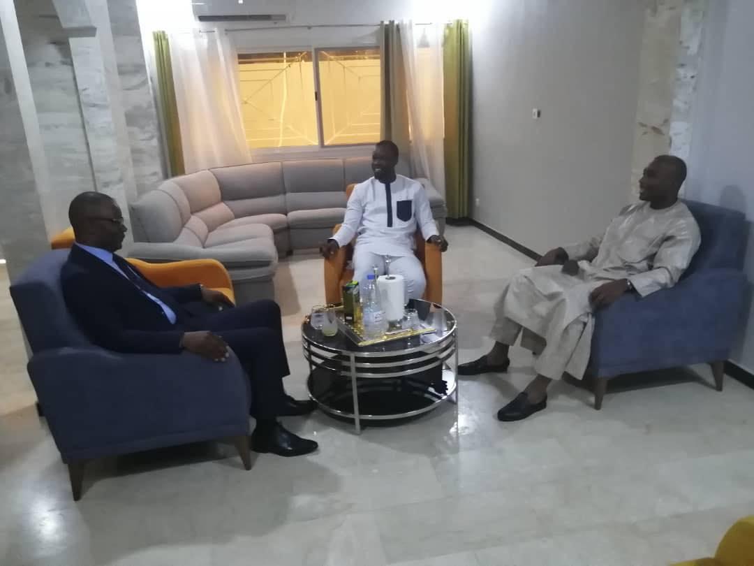 Barth, Sonko et Me Moussa Diop accusés de deal par... Xibaaru